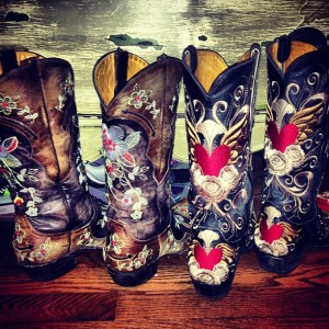 It_s_beginning_to_look_a_lot_like_fall_is_near__Can_t_wait_to_trade_in_my_summer_staple_rainbows_for_my_fallwinter_staple___bootlove